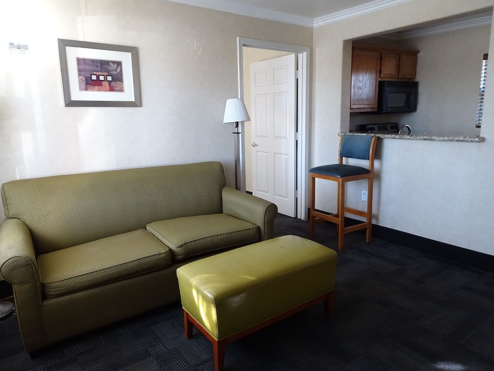 Living Room, Hotel Aspen InnSuites Flagstaff/Grand Canyon