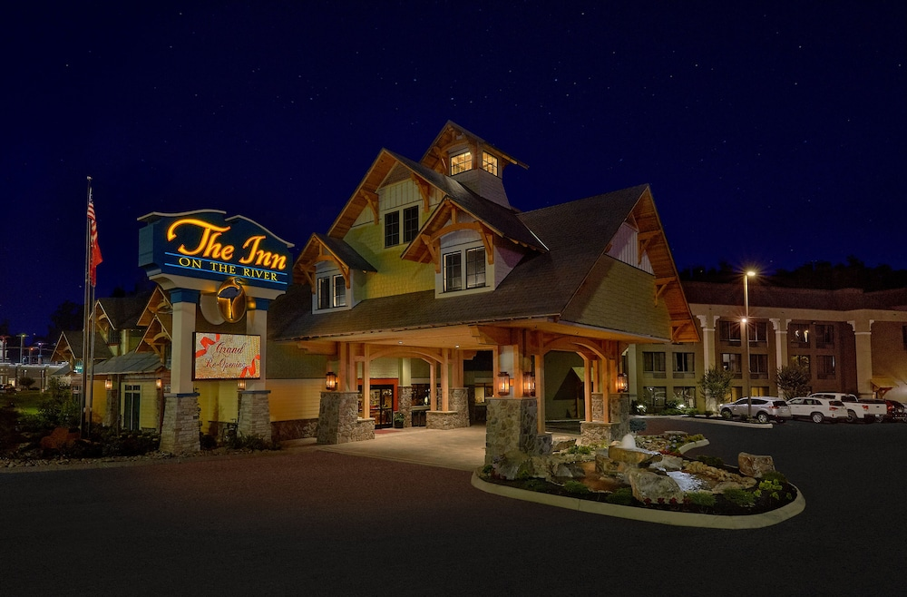 Front of Property - Evening/Night, The Inn On The River