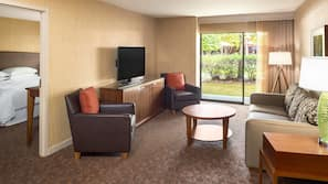 1 間臥室、特厚豪華床墊、房內夾萬、書桌