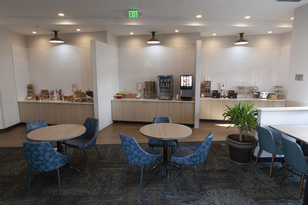 Breakfast Area, Fairfield Inn & Suites by Marriott Spokane Valley