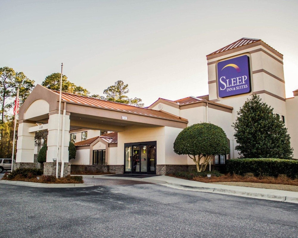 Featured Image, Sleep Inn & Suites Near Ft. Bragg
