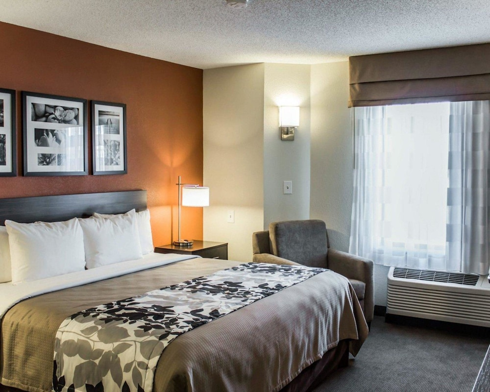 Room, Sleep Inn & Suites Near Ft. Bragg