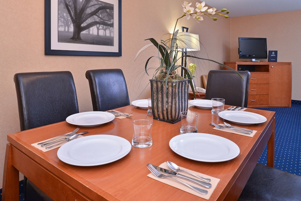 In-Room Dining, Best Western Plus Regency Inn & Conference Centre