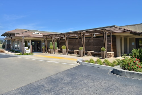 Hotels Near Mill Valley Airport Jmc Hotels With Free Airport