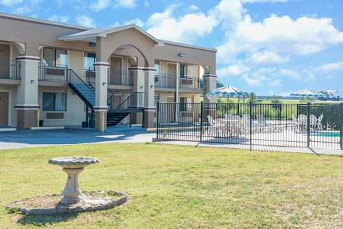 san marcos texas hotels from 43 cheap hotel deals travelocity