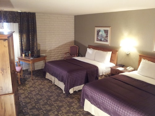 FairBridge Inn- Suites & Outlaw Conference Center Kalispell