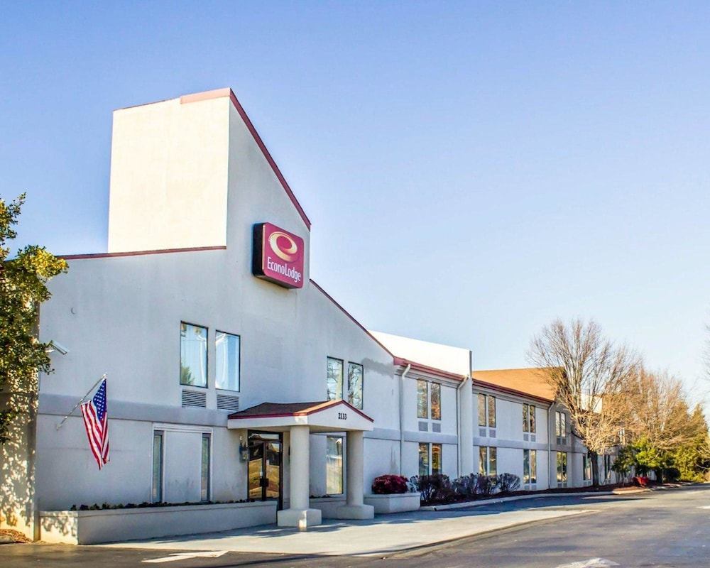 Exterior, Econo Lodge Burlington I-40