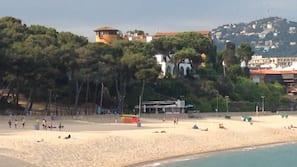 Ubicación a pie de playa, toallas de playa, bar en la playa y kayak