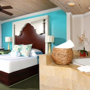 Ocean Key Resort - A Noble House Resort