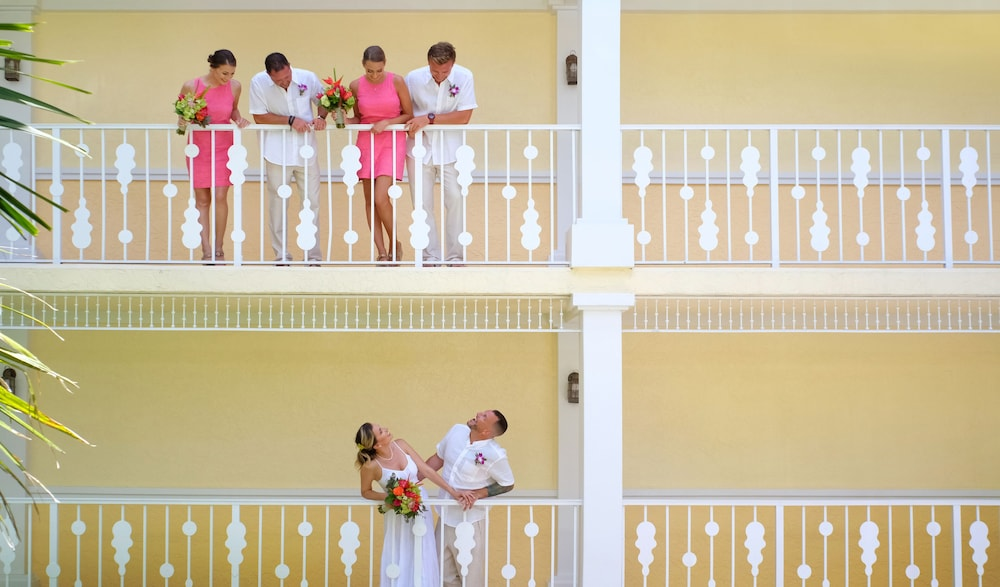 Outdoor Wedding Area, Ocean Key Resort - A Noble House Resort