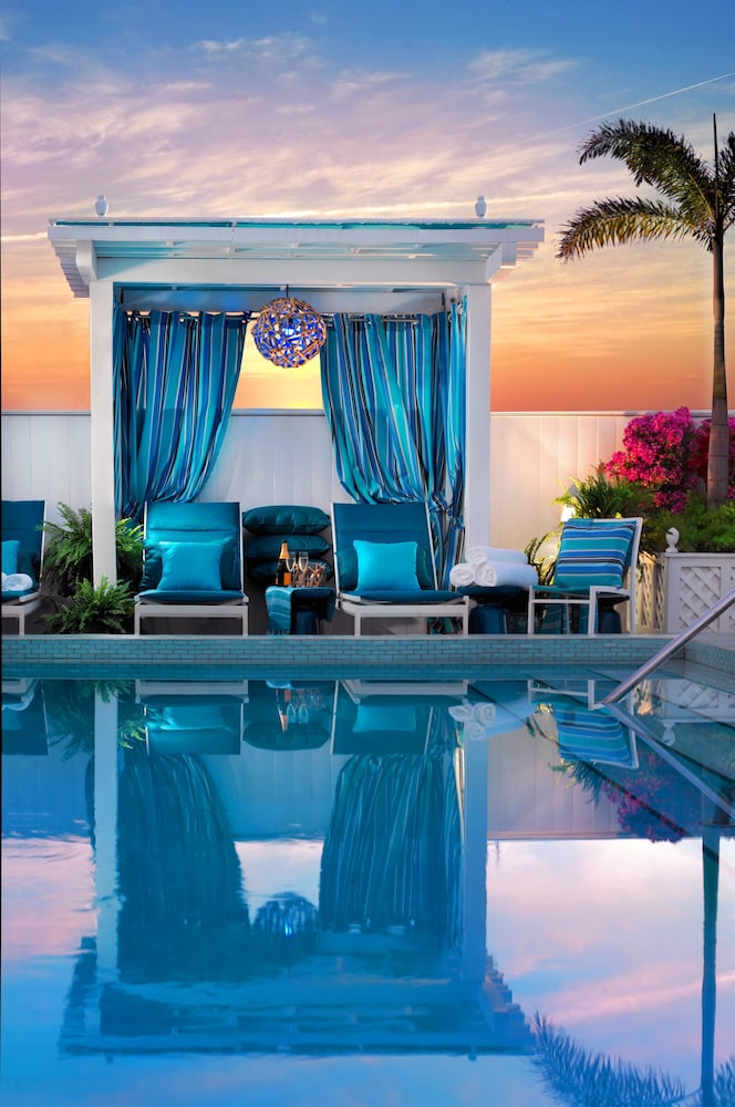 Outdoor Pool, Ocean Key Resort - A Noble House Resort