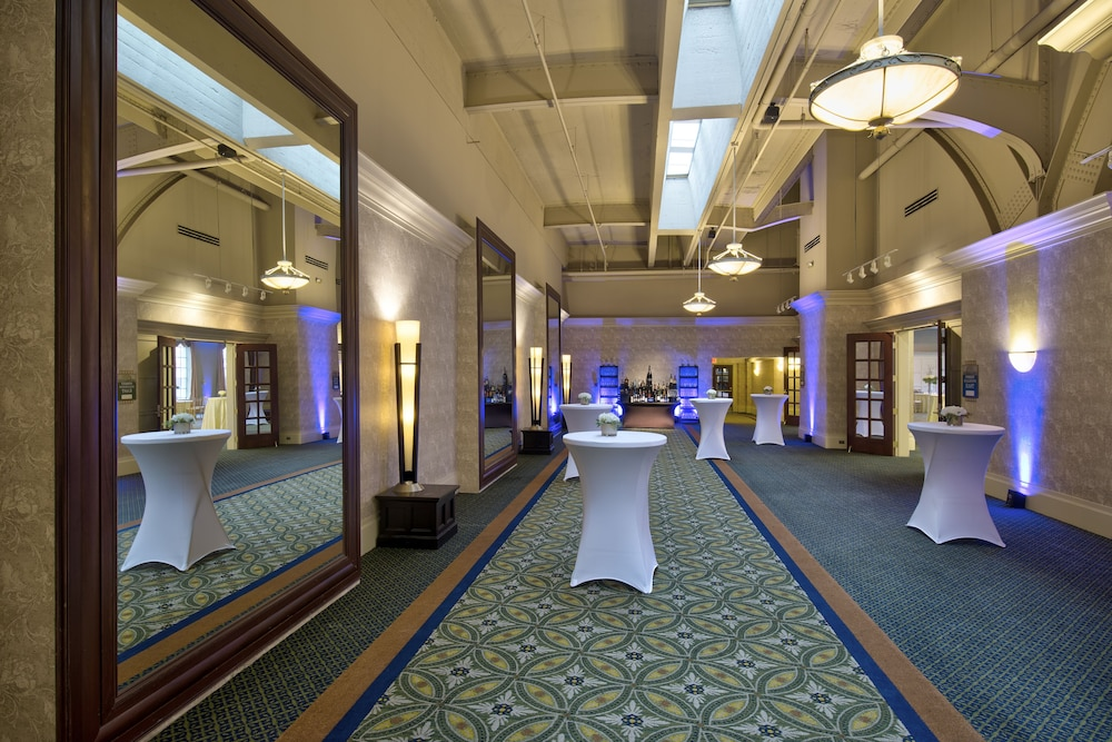 Reception, Crowne Plaza Indianapolis - Downtown Union Station