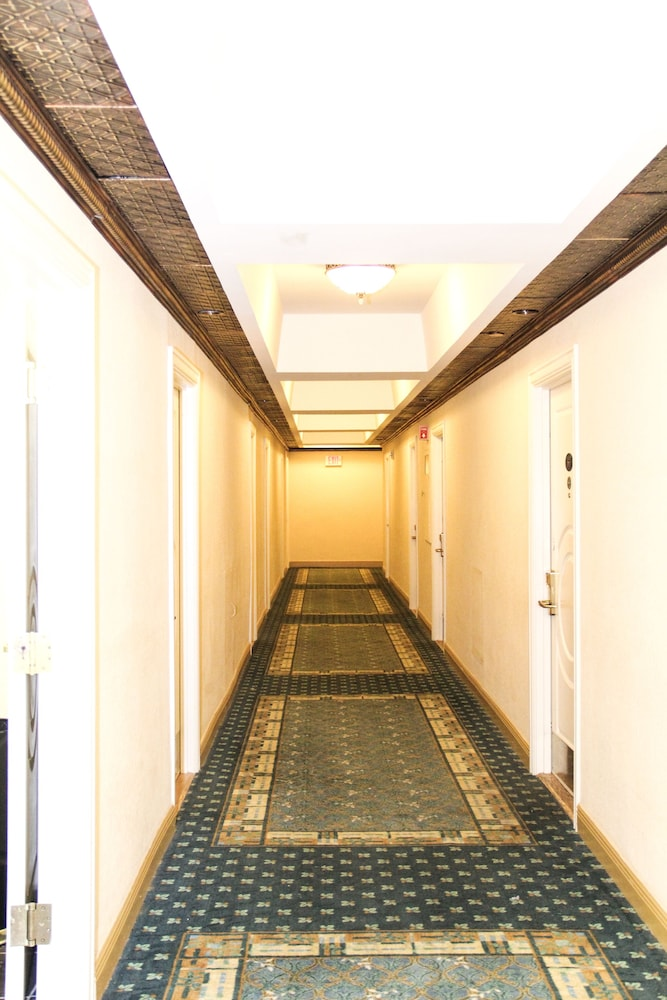 Hallway, Hollywood Beach Resort Cruise Port