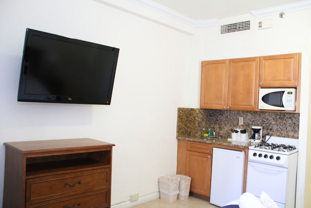 Private Kitchenette, Hollywood Beach Resort Cruise Port