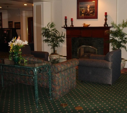 Lobby Sitting Area, Atrium Hotel and Conference Center