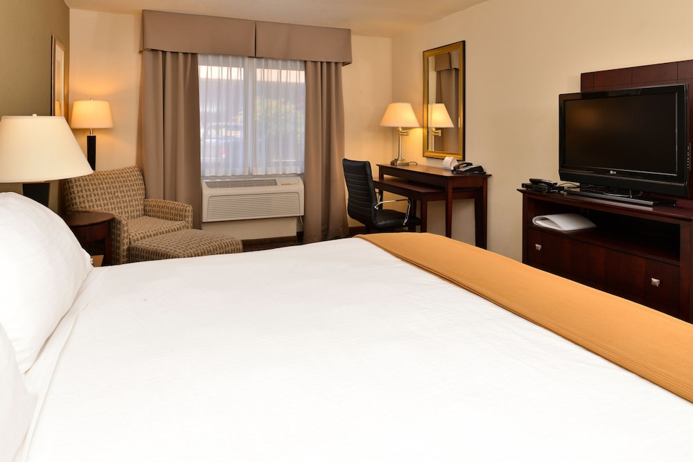 Room, Holiday Inn Express Portland South-Lake Oswego
