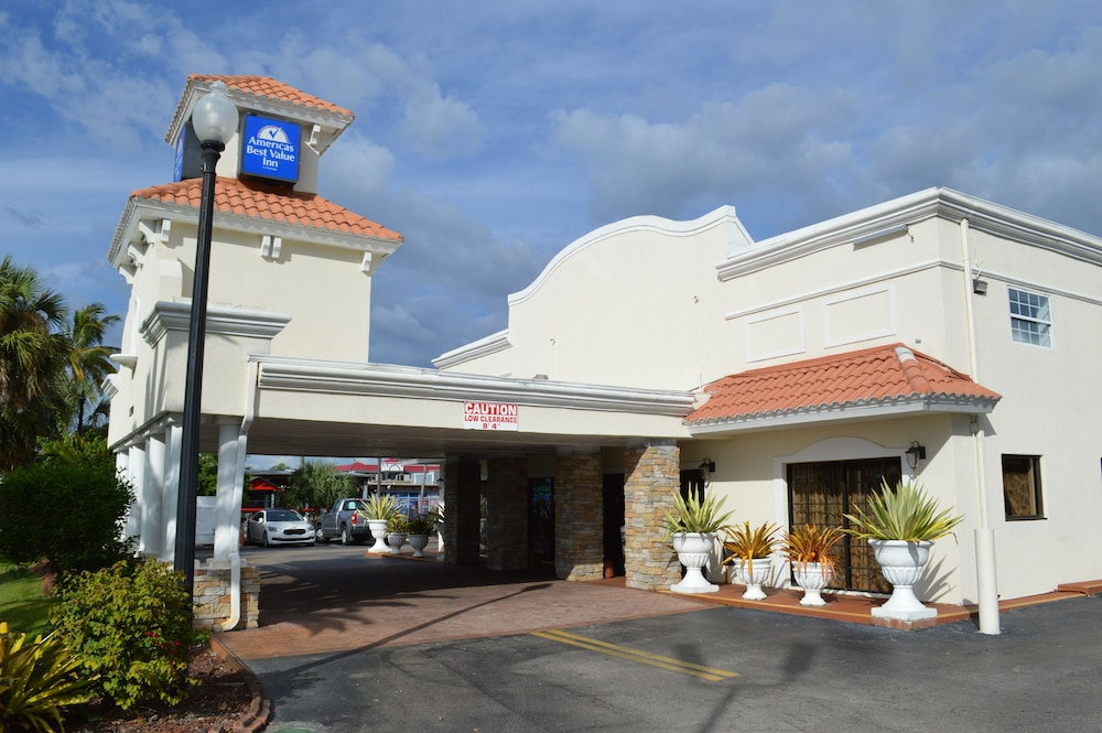 Front of Property, Americas Best Value Inn Ft. Myers