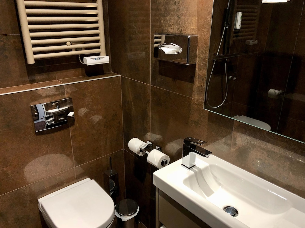 Bathroom, Best Western Empire Elysees