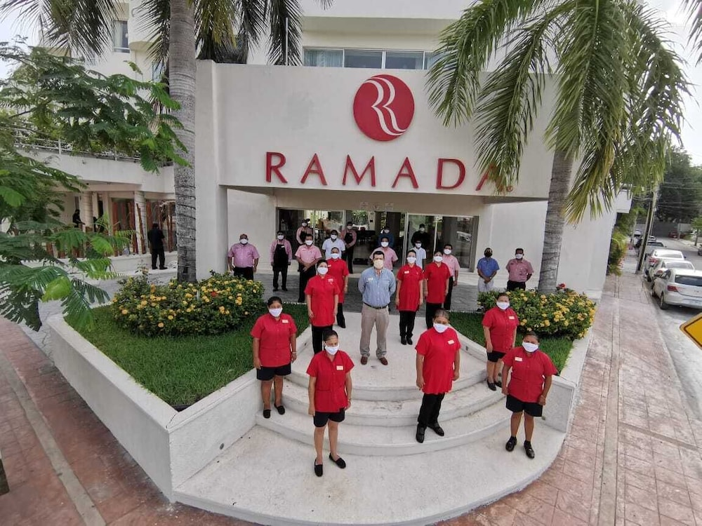 Front of Property, Ramada Cancun City