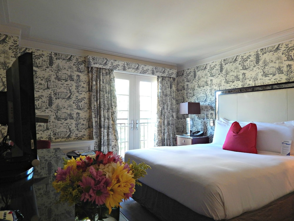Room, The Normandy Hotel
