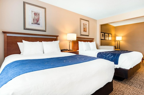 Check Expedia for Availability of Comfort Suites Normal University area