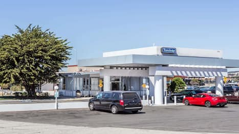 Hotels Near San Francisco Sfo Airport Hotels With Free Airport Shuttle