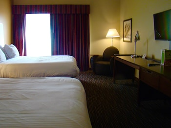 Standard Room, 2 Queen Beds - Guestroom View