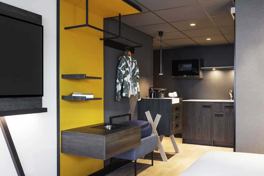 Private Kitchenette, Mercure City Amsterdam City Hotel