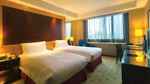 1 bedroom, premium bedding, memory-foam beds, minibar