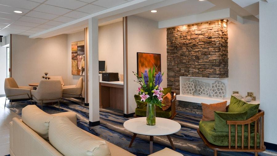 Fairfield Inn & Suites by Marriott Arlington Six Flags