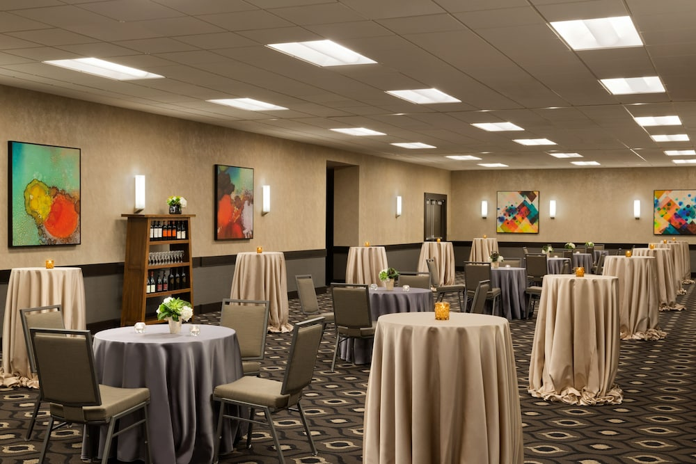 Banquet Hall, InterContinental Saint Paul Riverfront