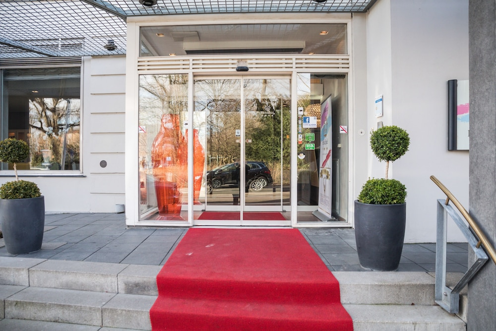 Property Entrance, Hellerup Parkhotel