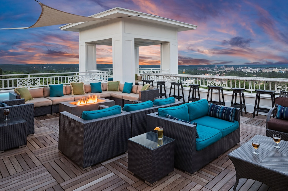 Rooftop terrace, The Partridge Inn Augusta, Curio Collection by Hilton