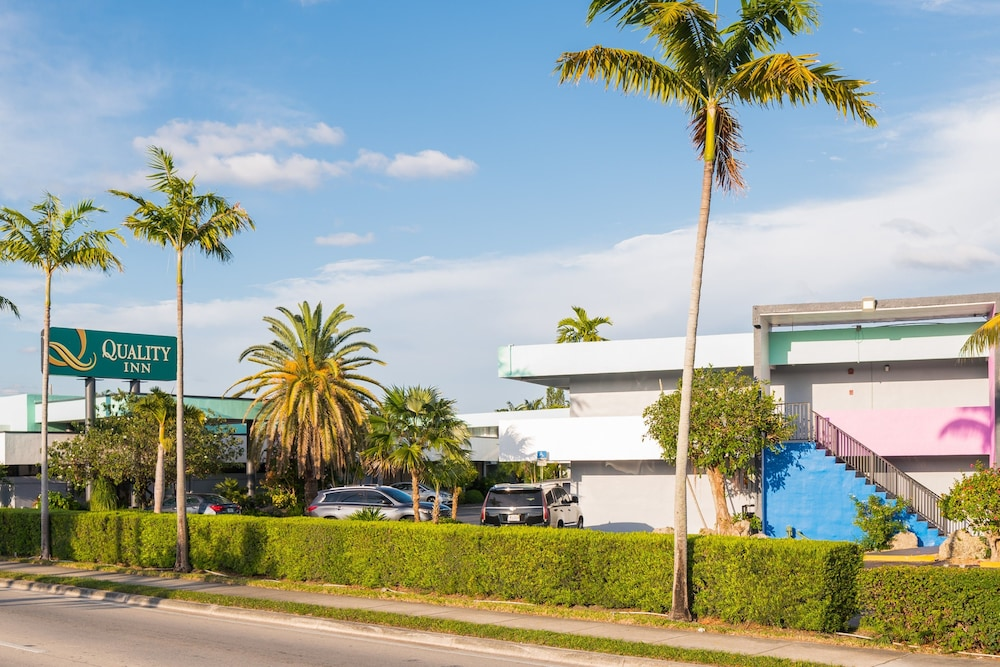 Front of Property, Quality Inn Miami South