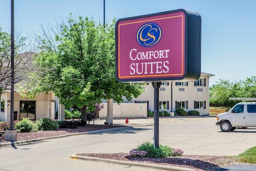Check Expedia for Availability of Comfort Suites Peoria