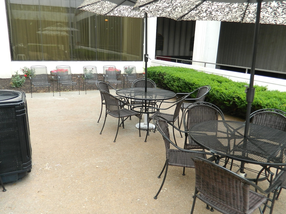 Terrace/Patio, Capital Plaza Hotel