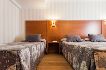 Double Room with Extra Bed - Guestroom