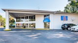 Motel 6 Tampa - Fairgrounds - Tampa Hotels