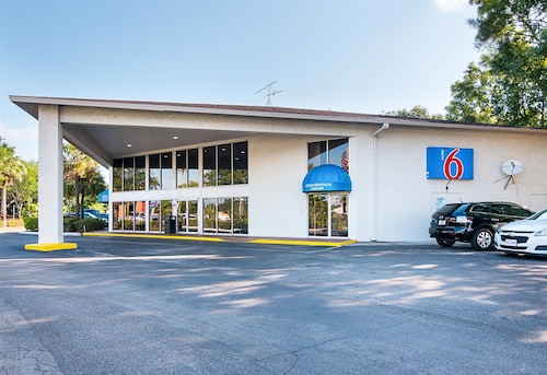 Motel 6 Tampa - Fairgrounds