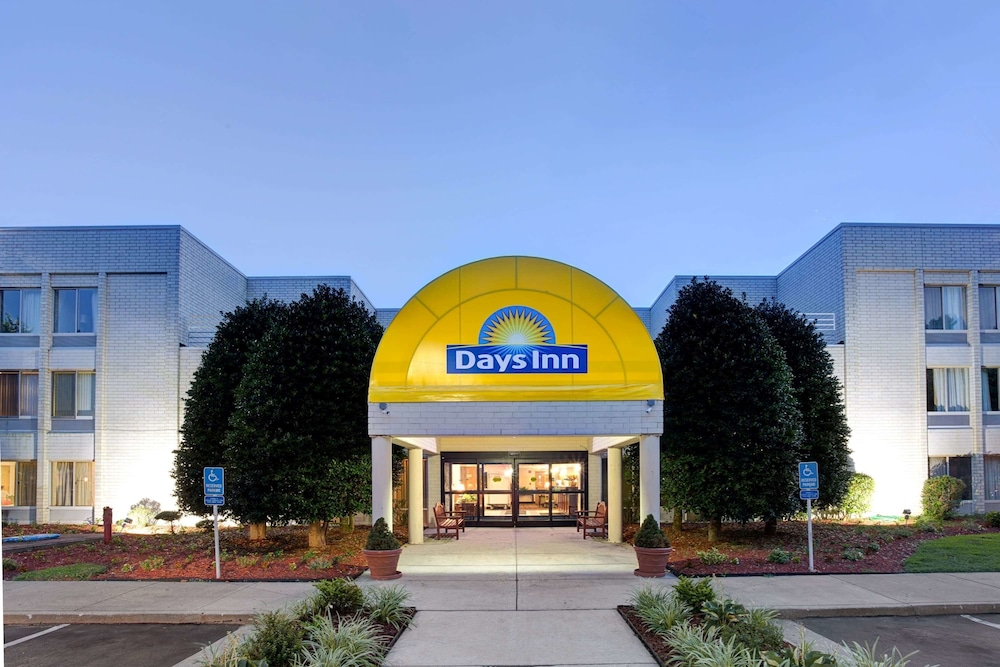 Featured Image, Days Inn by Wyndham Newport News City Center Oyster Point