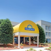 Days Inn Newport News Near City Center at Oyster Point