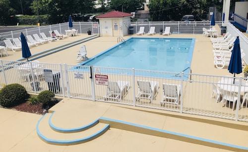 Great Place to stay Days Inn by Wyndham Wilmington / University near Wilmington