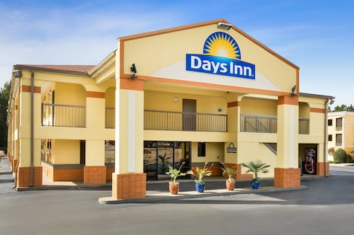 Days Inn by Wyndham Acworth