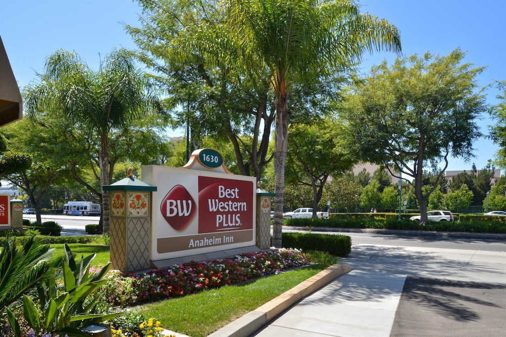 Front of Property, Best Western Plus Anaheim Inn