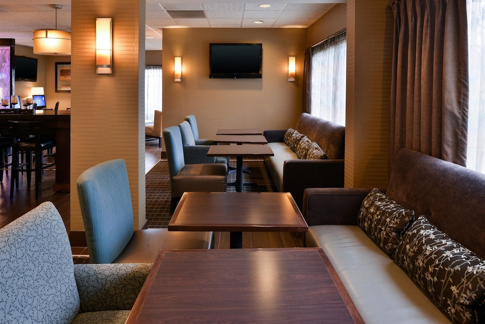 Breakfast Area, Best Western Plus Wichita West Airport Inn