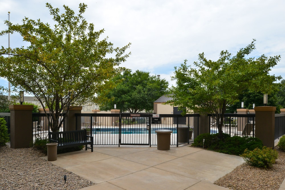 Outdoor Pool, Best Western Plus Wichita West Airport Inn