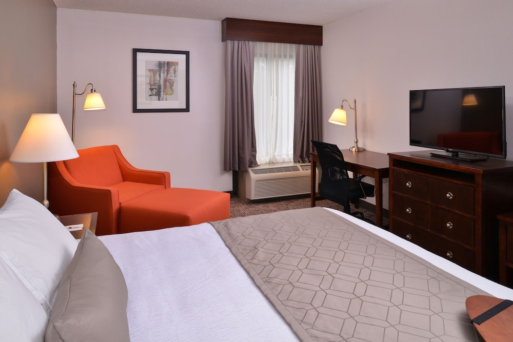Room, Best Western Plus Wichita West Airport Inn