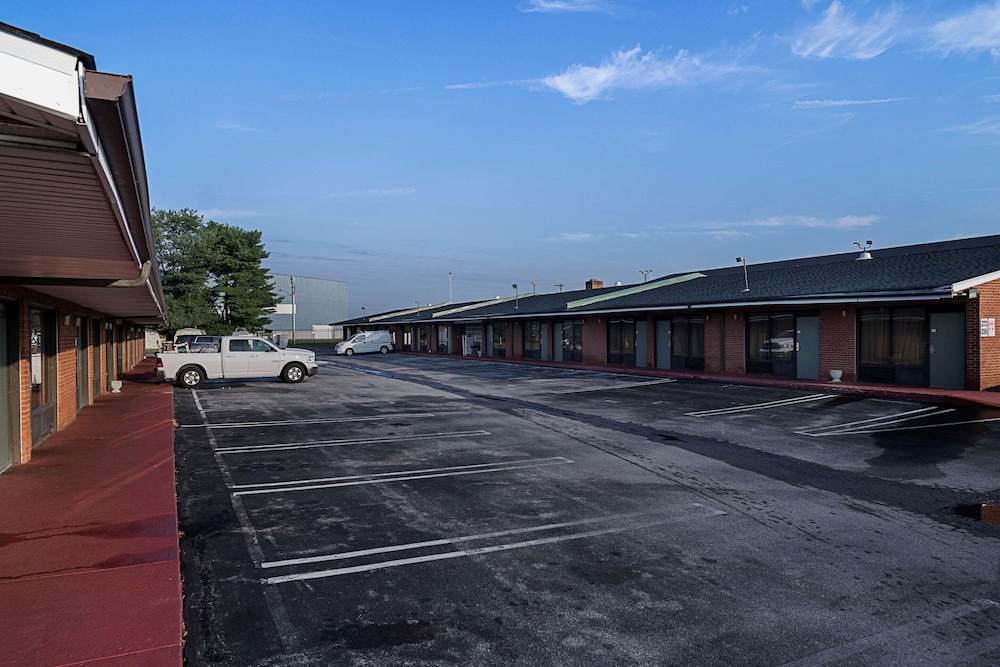 Exterior, Quality Inn And Suites Skyways