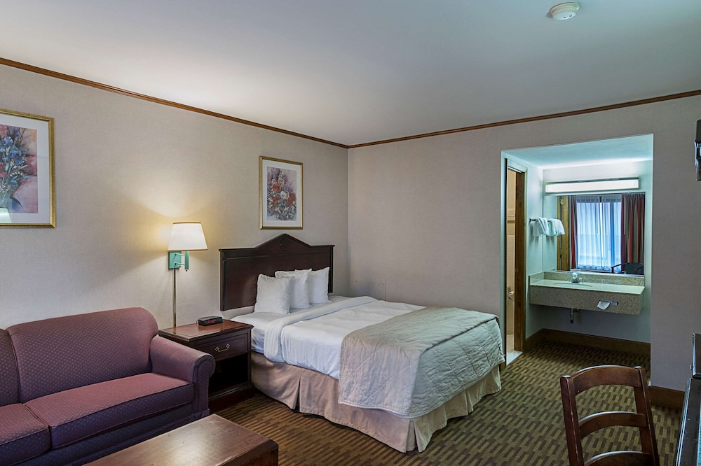 Room, Quality Inn And Suites Skyways