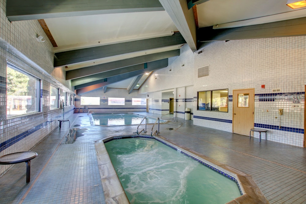 Indoor Pool, Shilo Inn Suites - Mammoth Lakes